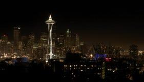 街市晚上西雅图视图 免版税图库摄影