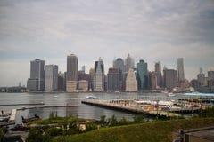 街市曼哈顿,从布鲁克林的纽约 免版税图库摄影