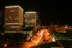 街市檀香山晚上 库存照片