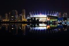 街市温哥华晚上反映,错误小河 免版税图库摄影