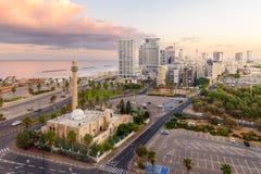 街市特拉维夫在以色列在黎明 免版税库存照片