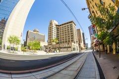街市的摩天大楼透视  免版税图库摄影