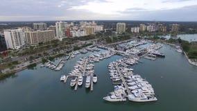 街市的萨拉索塔,佛罗里达的鸟瞰图 股票录像
