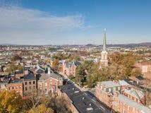 街市约克,在历史的分配旁边的宾夕法尼亚天线  图库摄影