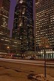 街市芝加哥在冬天期间在一惨淡的天 免版税库存照片
