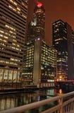 街市芝加哥在冬天期间在一惨淡的天 免版税库存图片
