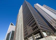街市芝加哥现代和老大厦都市风景 免版税库存图片