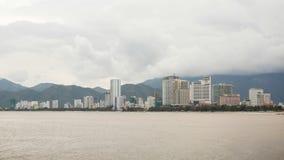 街市芽庄市的看法,芽庄市是位于越南的中南部的海岸和资本的沿海城市 库存照片