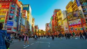 街市街道的timelapse在电镇的秋叶原东京白天宽被射击的徒升的 影视素材