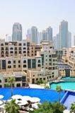 街市迪拜池游泳 图库摄影