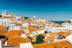 街市里斯本地平线全景在葡萄牙 库存图片