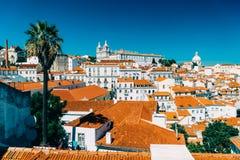 街市里斯本地平线全景在葡萄牙 免版税库存图片