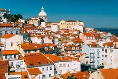 街市里斯本地平线全景在葡萄牙 图库摄影