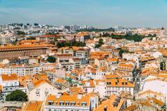 街市里斯本地平线全景  库存图片