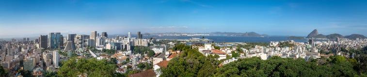 街市里约热内卢全景鸟瞰图有老虎山山的在背景-里约热内卢,巴西 库存照片