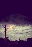 街灯在晚上有风雨如磐的天空背景 图库摄影