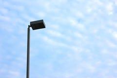 街灯有蓝天背景 库存图片