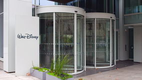 街道与华特・迪士尼的标志板生动描述商标 编译的现代办公室 社论3D翻译 免版税库存照片