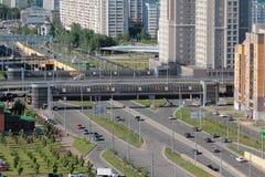 街道两层的横穿在城市 喀山俄国 库存图片