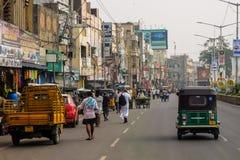 街道交通在维杰亚瓦达,印度 免版税库存图片