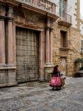 街道佛拉明柯舞曲舞蹈家在卡迪士,南西班牙 免版税图库摄影