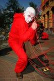 街道剧院 打开街道年轻演员被打扮的表现  图库摄影