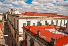 街道和大教堂的顶视图 哈瓦那 古巴 库存照片
