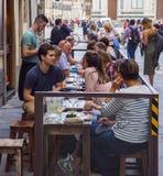 街道咖啡馆在历史的区佛罗伦萨-佛罗伦萨/意大利- 2017年9月12日 库存图片