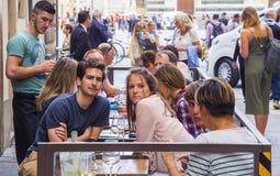 街道咖啡馆在历史的区佛罗伦萨-佛罗伦萨/意大利- 2017年9月12日 免版税图库摄影