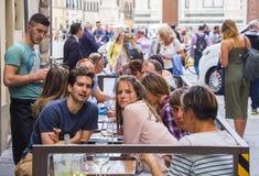 街道咖啡馆在历史的区佛罗伦萨-佛罗伦萨/意大利- 2017年9月12日 库存照片