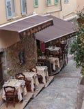 街道咖啡馆在戛纳 库存图片