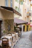 街道咖啡馆在戛纳 免版税库存照片
