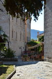 街道咖啡馆在老镇,黑山 免版税图库摄影