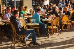 街道咖啡馆在巴黎,法国 库存图片