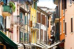 街道在加尔达,意大利 免版税图库摄影