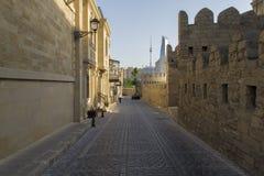 街道在古老老镇巴库 免版税库存图片
