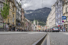 街道在因斯布鲁克,奥地利 免版税图库摄影