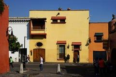 街道在库埃纳瓦卡,墨西哥 库存图片