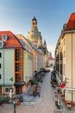 街道在德累斯顿- Munzgasse,德国 库存照片