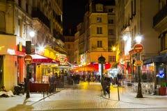 巴黎街道在晚上 免版税图库摄影