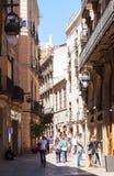 街道在老欧洲城市-哥特式处所。巴塞罗那 库存图片