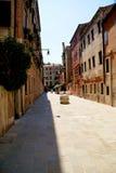 街道在老欧洲镇 免版税库存照片