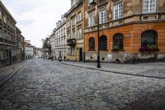 街道在老镇华沙-波兰首都 免版税库存图片