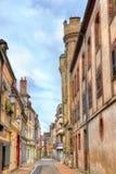 街道在老镇桑斯-法国 免版税库存图片