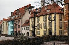 街道在老镇里加 免版税库存图片