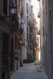 街道在老镇,哥特式处所,巴塞罗那,西班牙 免版税库存照片