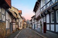 街道在老镇Gorlar,下萨克森州,德国 库存照片