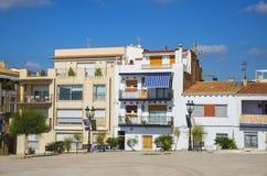 街道在锡切斯加泰罗尼亚的镇,省巴塞罗那,卡塔龙尼亚, 库存图片