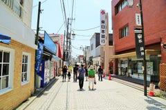 街道在镰仓,日本 库存图片