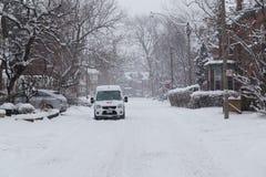 街道在雪期间的多伦多 图库摄影